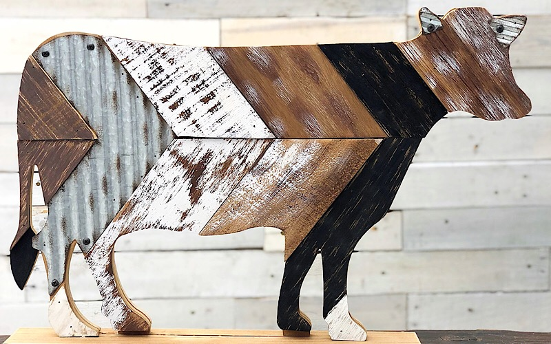 Standing Cow With Slats,9732566