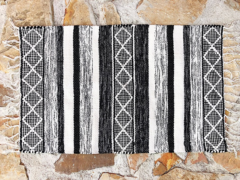 Black & Cream Patterned Accent Rug,29606