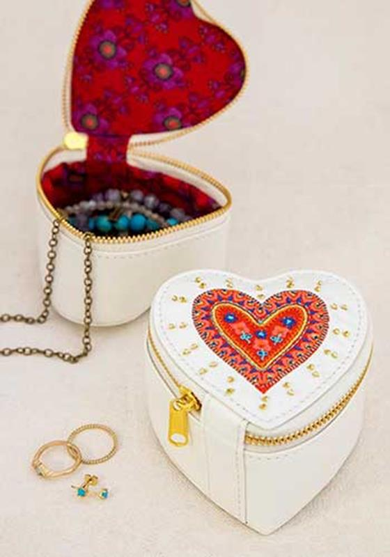 Heart Jewelry Pouch,BAG384