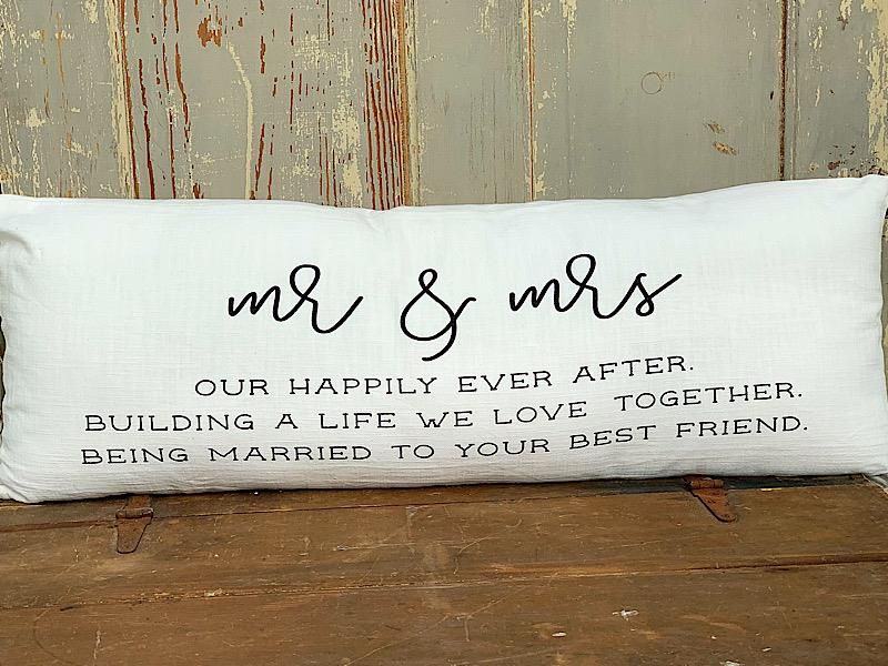 Mr & Mrs Bed Pillow,41600337